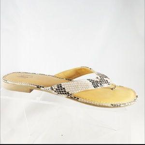 G.H. Bass & Co. Sandals Size 7M thong flip flops